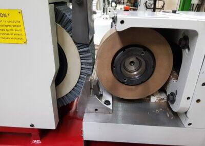 Spitzenlose Bürstenmaschine Microrex